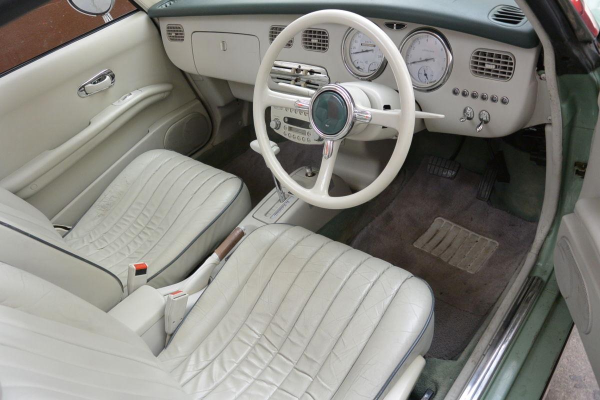 Monaco Motors München - Nissan - Figaro - Innenraum