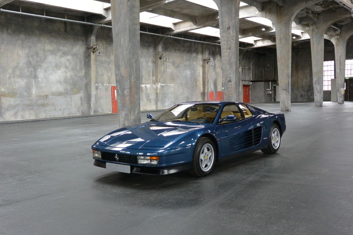 Monaco Motors München - Ferrari - Testarossa - blau - seite