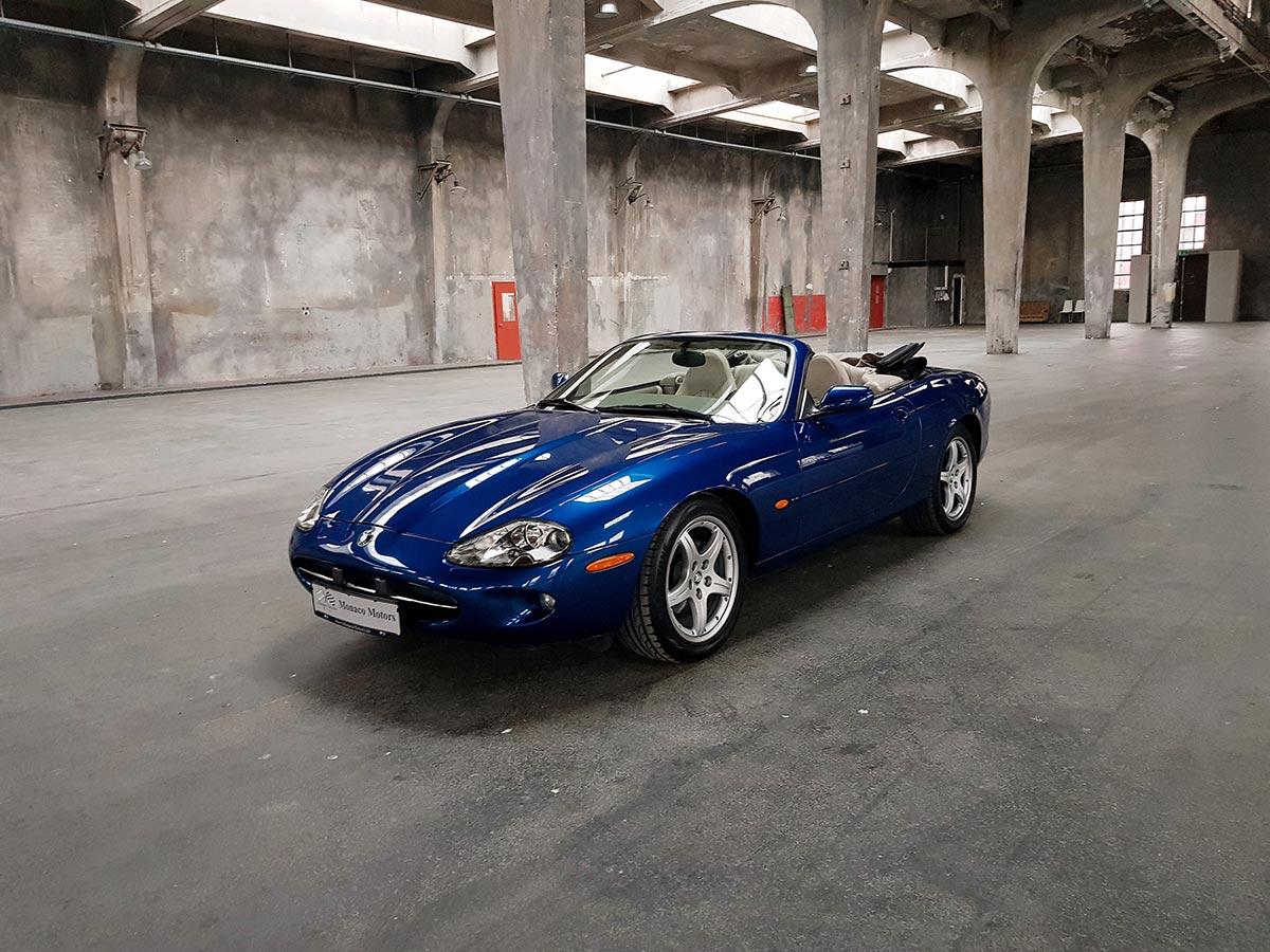 Monaco Motors München - Jaguar XK8 - königsblau